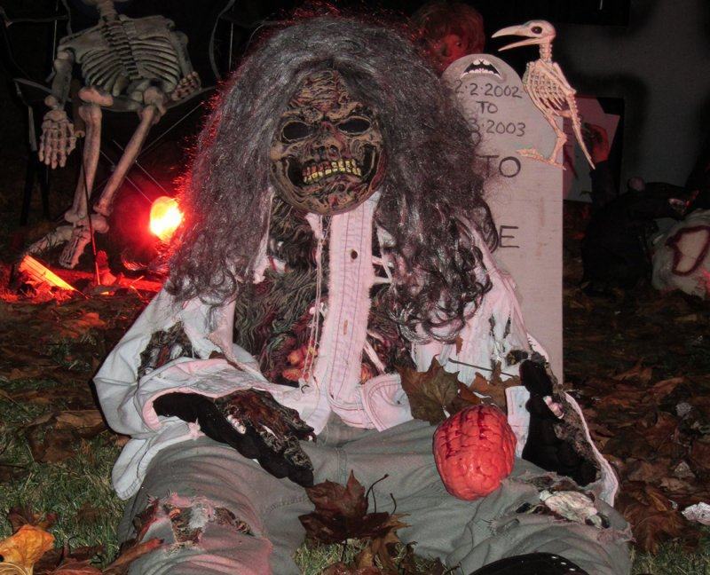 Haunted Halloween Guide to Metro Vancouver. The Haunted Graveyard of Brookswood is created with love by the Steger family of Langley. Photo Credit: The Steger Family.
